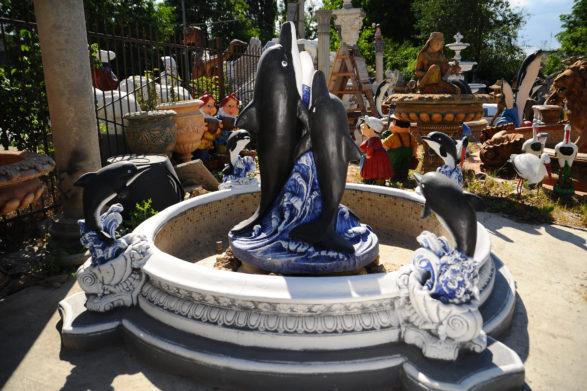 Фонтан  с бассейном «дельфины», купить в Крыму и Севастополе