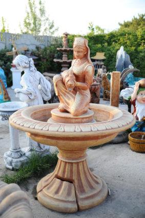 Фонтан  «татарка с кувшином», купить в Крыму и Севастополе