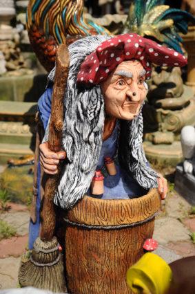 Фигура «Баба Яга», купить в Крыму и Севастополе