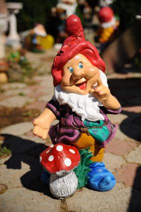 Фигура «Гном с грибочком», купить в Крыму и Севастополе
