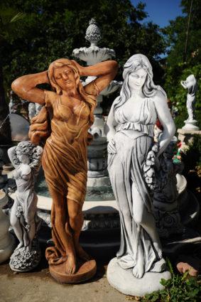 Фигура «Девушка с венком», купить в Крыму и Севастополе