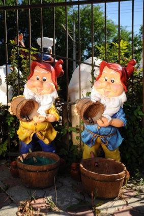 Фонтан «гном с бочкой», купить в Крыму и Севастополе