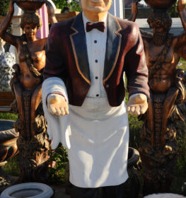Фигура «Официант с разносом», купить в Крыму и Севастополе