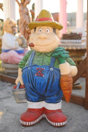 Фигура «Ганс с морковкой», купить в Крыму и Севастополе