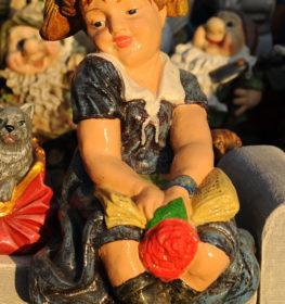 Фигура «Девочка сидящая», купить в Крыму и Севастополе