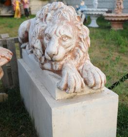 Фигура «Лев лежащий на тумбе», купить в Крыму и Севастополе