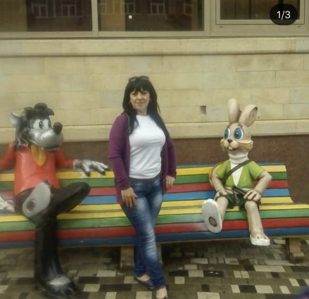 Фигура «Заяц и Волк на скамейке», купить в Крыму и Севастополе